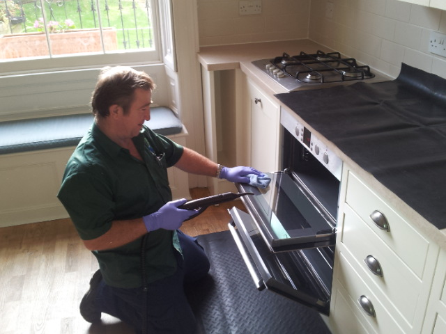 10 Reasons To Have Your Oven Professionally Cleaned