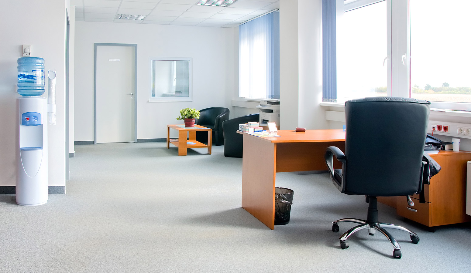 Office cleaning services professional office cleaners for Design your office online